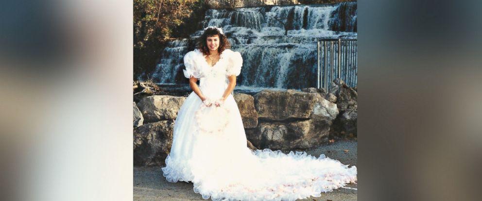 PHOTO: Tess Heidelberger, of Mauldin, South Carolina, turned her 1980s wedding dress into a Christmas tree skirt.