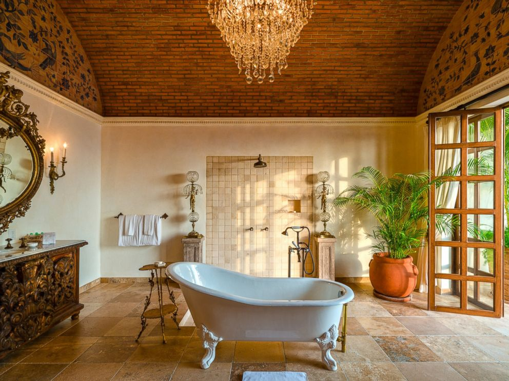 PHOTO: The bath suite in the Casa Kimberly, is named Cleopatra, in homage of Elizabeth Taylors 1963 film.