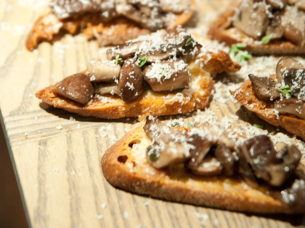 PHOTO: Claire Thomas mushroom crostini.