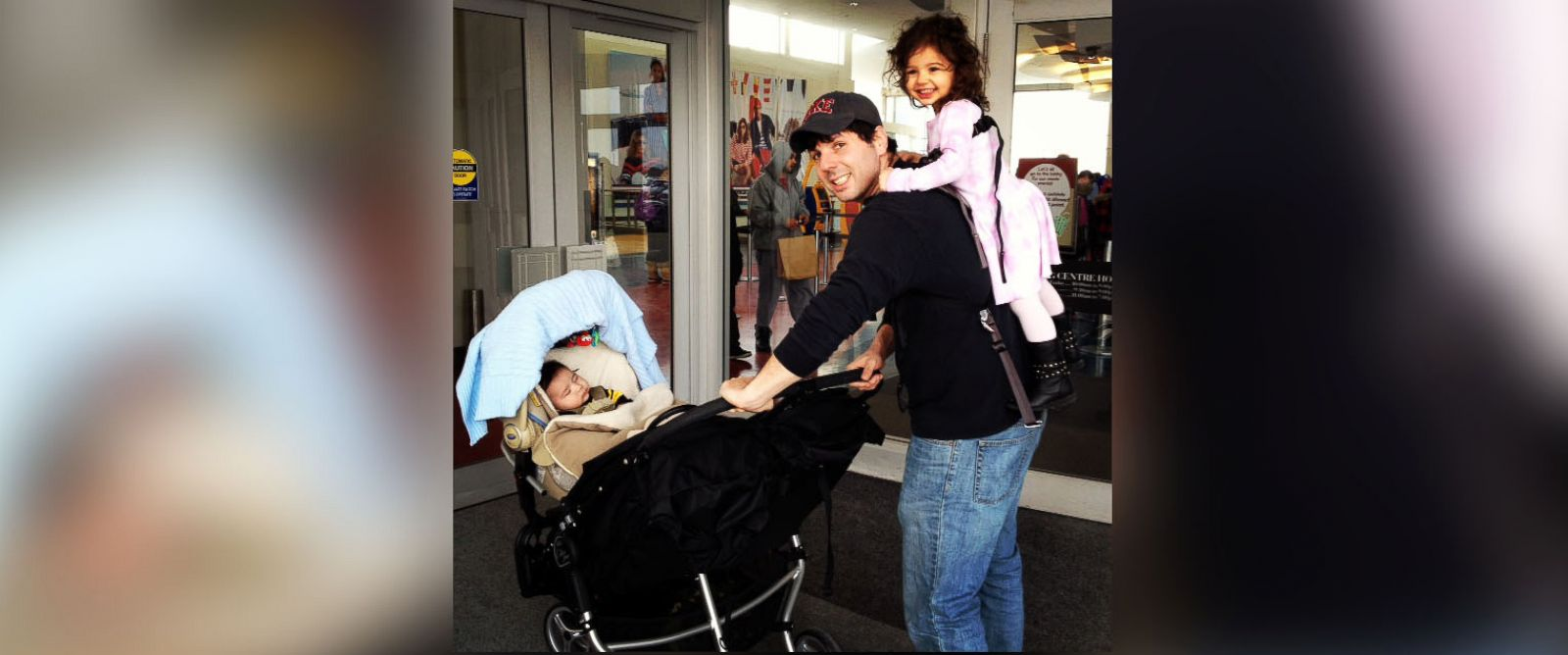 PHOTO: Dad blogger Adam Dolgin asked for $50k on a crowd-funding site to stay at home with his kids