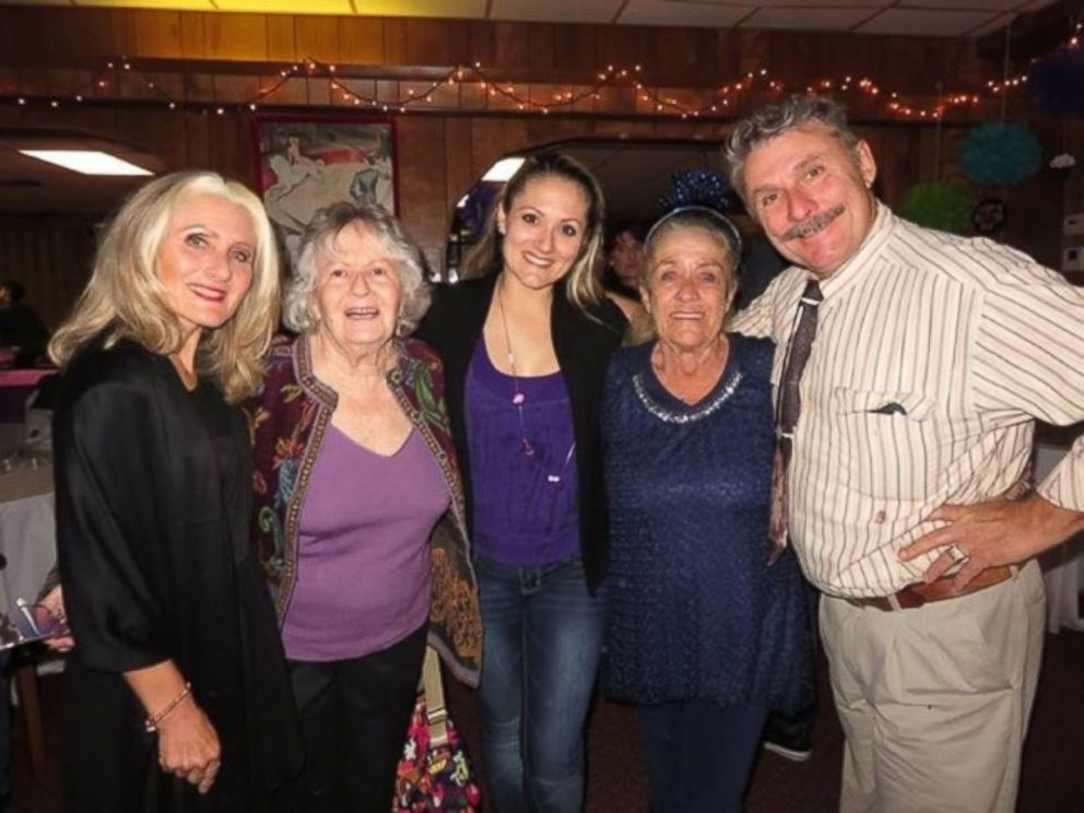 PHOTO: Carla and her daughter Rietta Wallenda, friend, Arden Kreich, grand daughter Lyric Wallenda Arestov and son Rick Wallenda in Feb. 2016.
