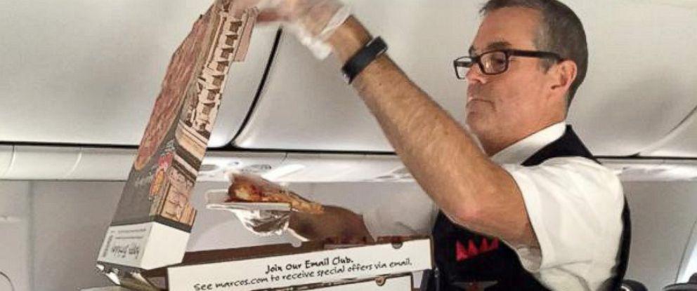 Delta Air Lines Pilot Surprises Plane With Pizza Party, Passenger ...