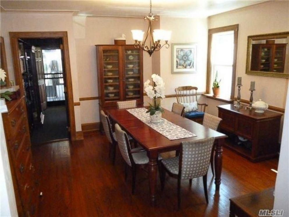 donald trump 39 s childhood home is up for sale in jamaica estates new
