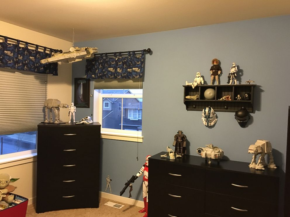 Go Inside One Family\'s \'Star Wars\' Themed Bedroom - ABC News