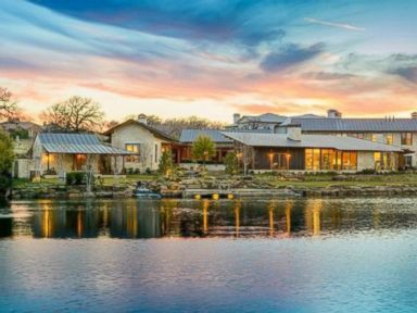 Photos: 10 Luxurious Green Waterfront Homes