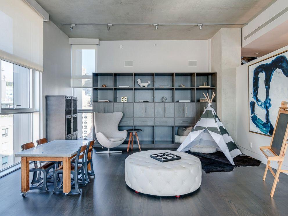 Inside Kim Kardashian West S Luxe Manhattan Airbnb Abc News