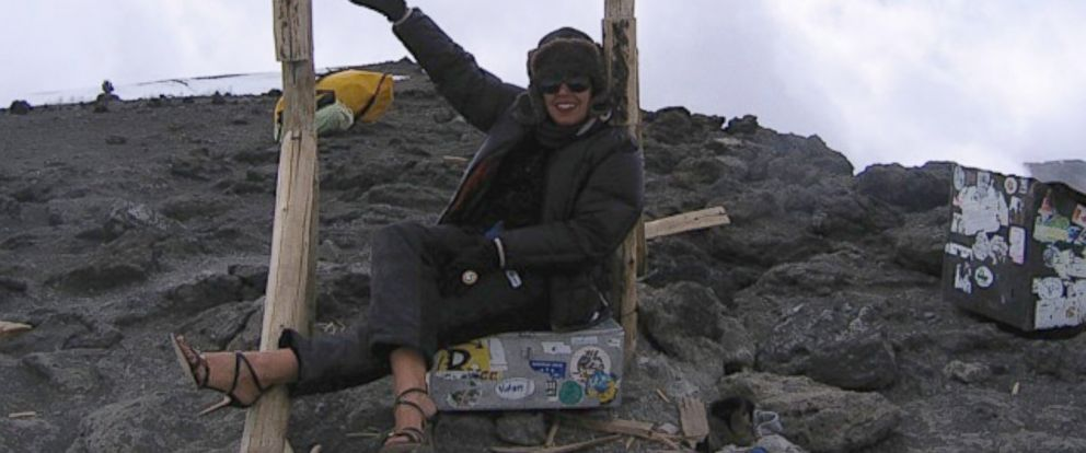 PHOTO: Rima Suqi posed atop Mount Kilimanjaro in a pair of stilettos
