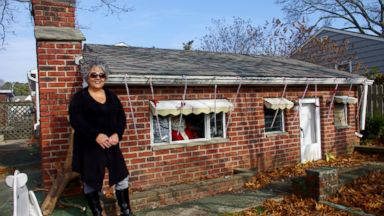 PHOTO: Anna Joness New Jersey home came complete with a tiny second home on the land.