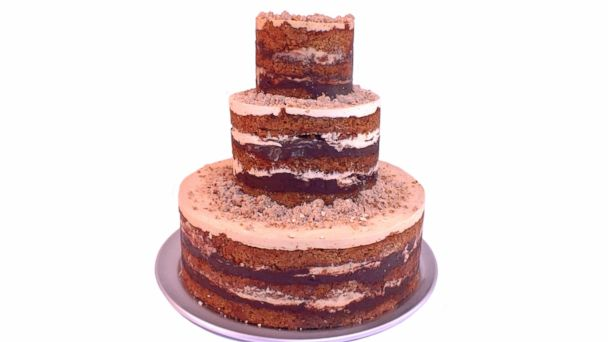 Photo Bakeries Around The Country Are Catering To The Naked Cakes Trend Momou Milk Bar