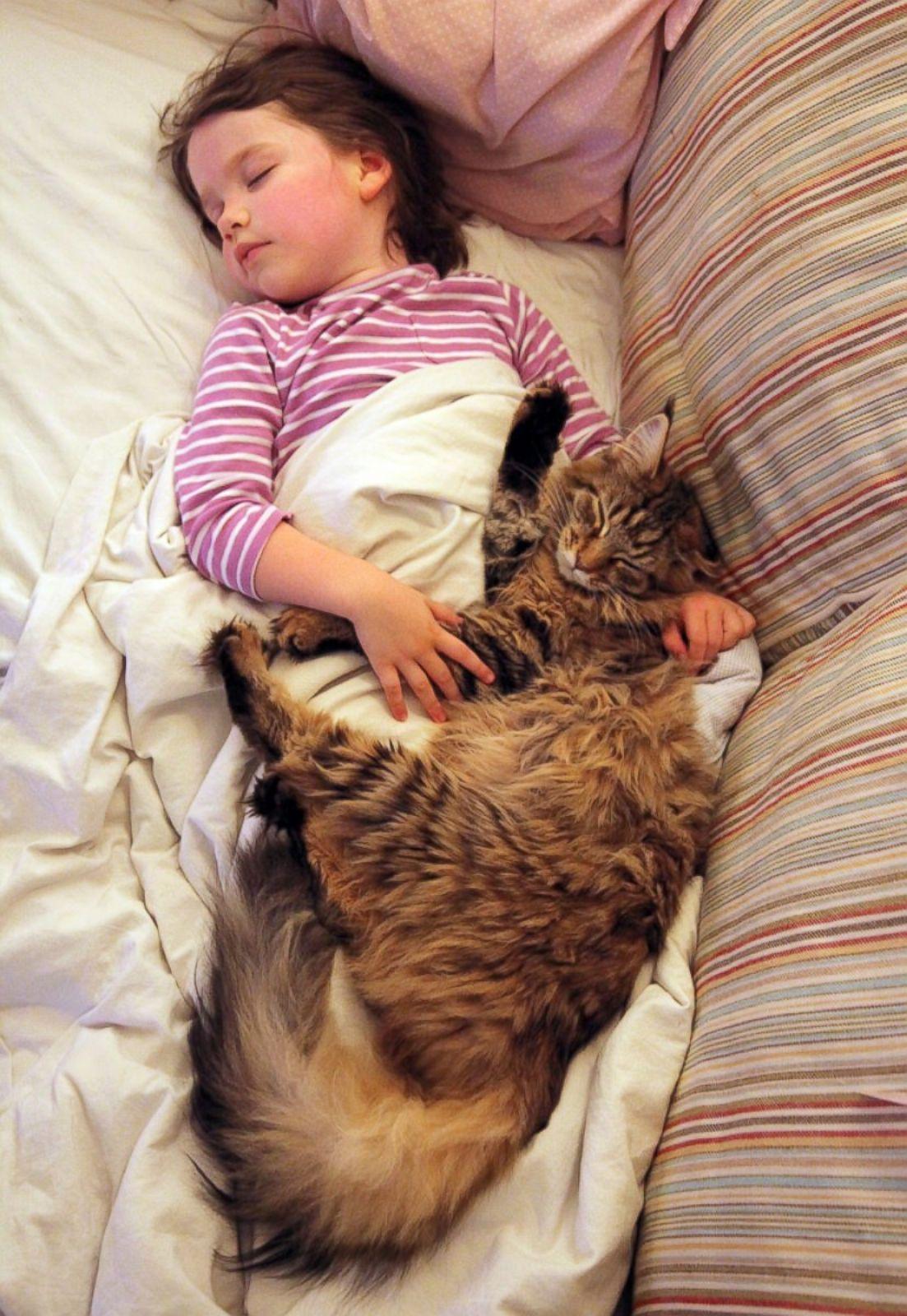 Спящая и голая девочки 12 фотография