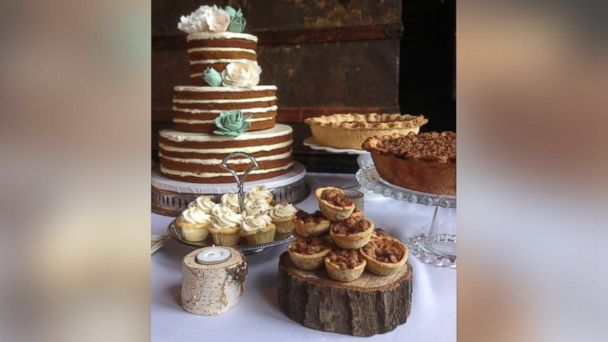 """PHOTO: Bakeries around the country are catering to the """"naked"""" cakes trend."""