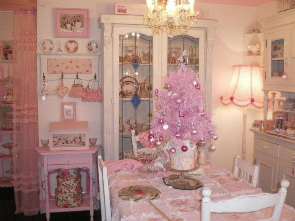 Australian Woman Decorates Home Entirely in Pink ABC News