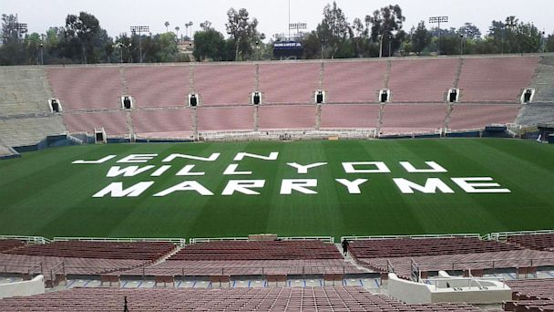 HT proposal david carrido lpl 130709 16x9 608 Calif. Man Uses Rose Bowl Field for Marriage Proposal