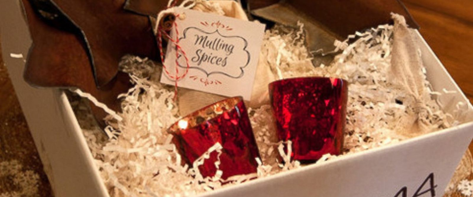 PHOTO: Season in a trunk delivers holiday home decor to your door.