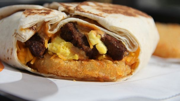HT taco bell crunchwrap crop mar 140224 16x9 608 Taco Bell Breaks Out of Shell With New Morning Menu
