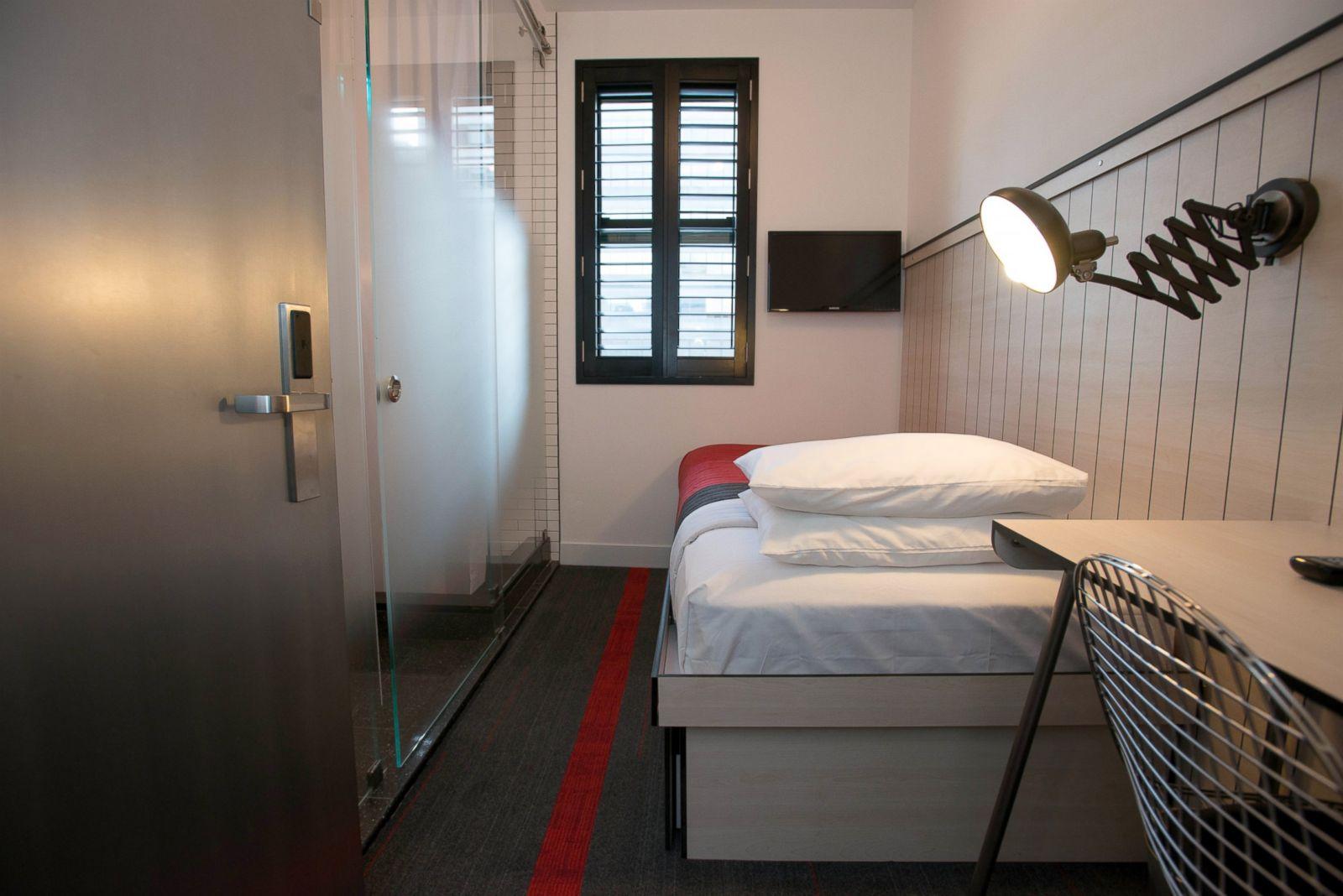 pod 39 new york city new york united states picture. Black Bedroom Furniture Sets. Home Design Ideas