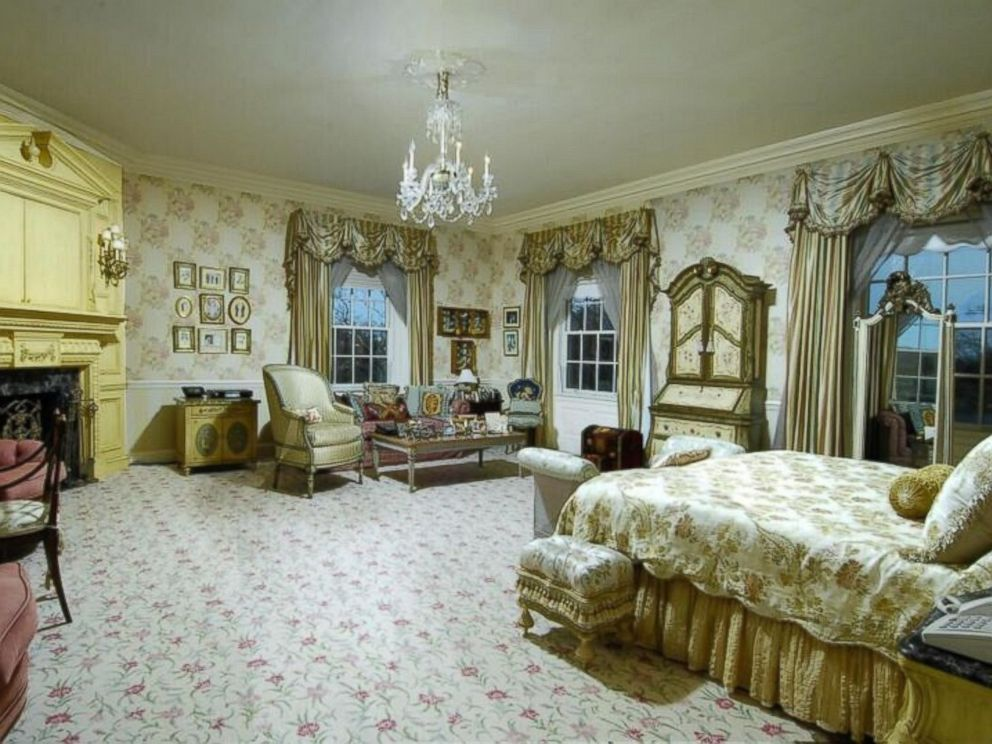 PHOTO: Donald Trumps former Connecticut mansion is currently for sale.