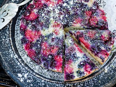 PHOTO: Ali Larters Triple Berry Upside Down Cake