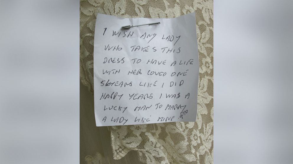 Wedding Dress With Note : Mystery widower who pinned heartfelt note to wedding gown abc news