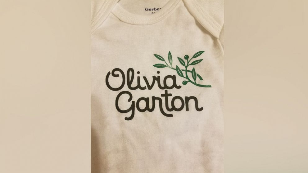 abcnews.go.com - Couple that loves Olive Garden to name their daughter Olivia Garton