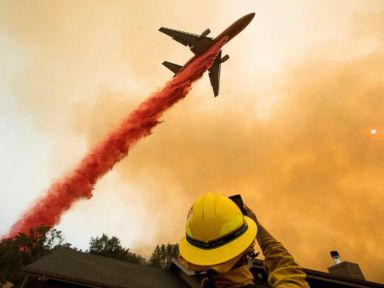 Wildfire burning near Yosemite destroys 45 structures