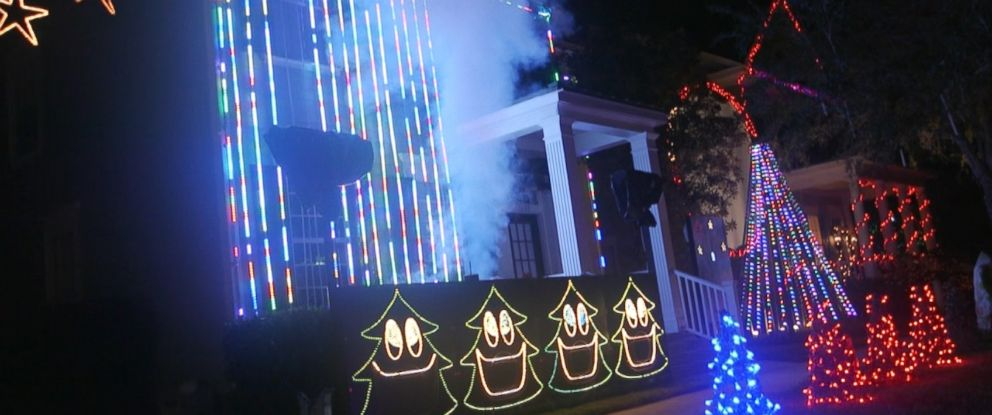 this neighborhood in celebration florida is one of three competing in this years annual abc - Celebration Christmas Lights