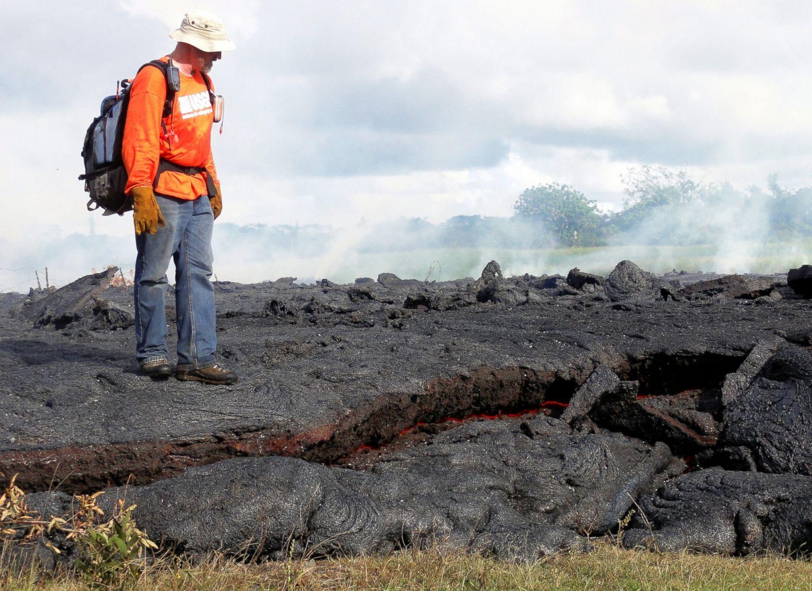 hawaii town braces for lava from kilauea volcano photos abc news