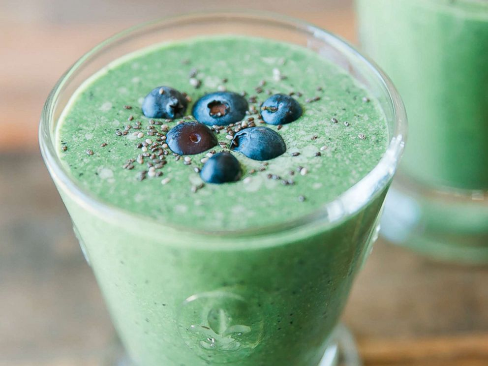 PHOTO: Nutritionist-to-the stars Kelly LeVeque shares her green smoothie recipe from her book, Body Love, to fuel your morning.