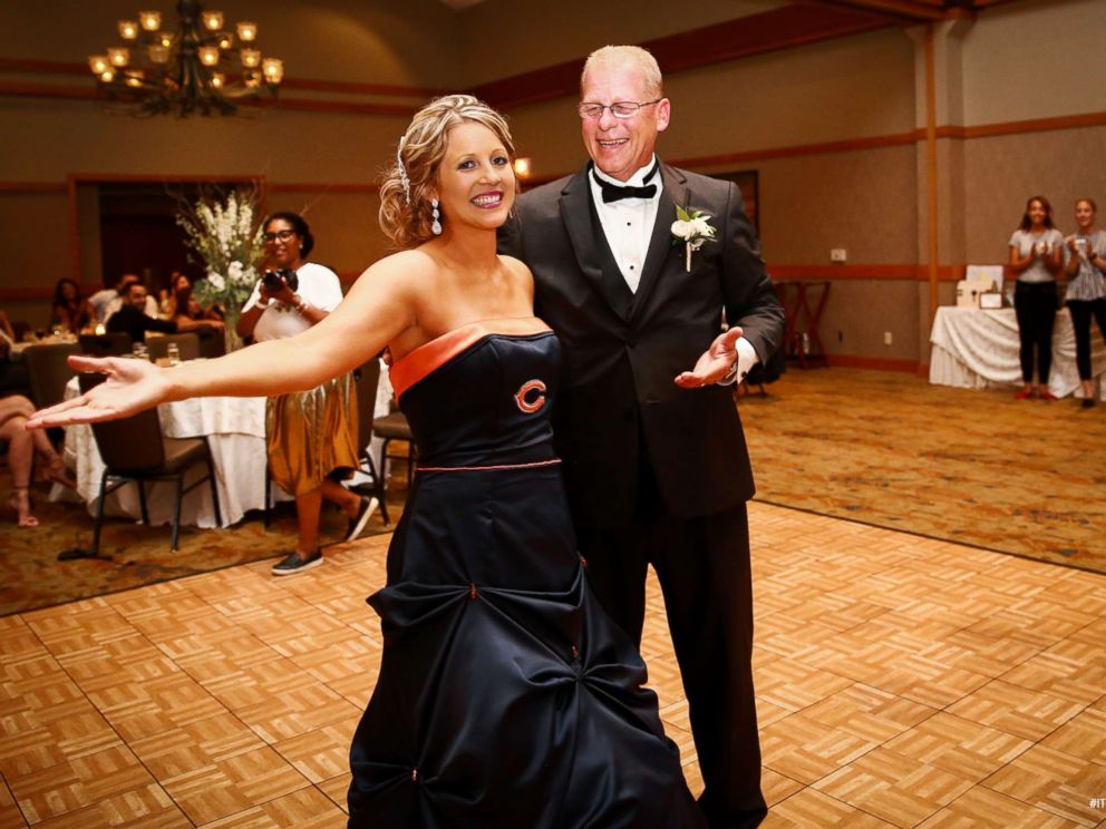 bride surprises father by wearing chicago bears themed
