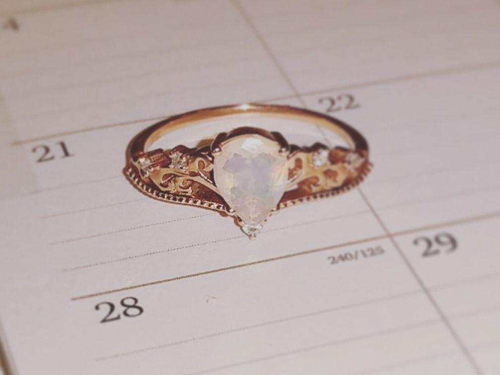 PHOTO: Samantha Adams unique engagement ring.