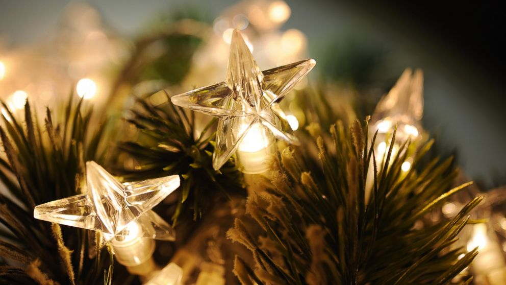 putting christmas lights and tree stands to the test abc news - Gold Christmas Tree Lights
