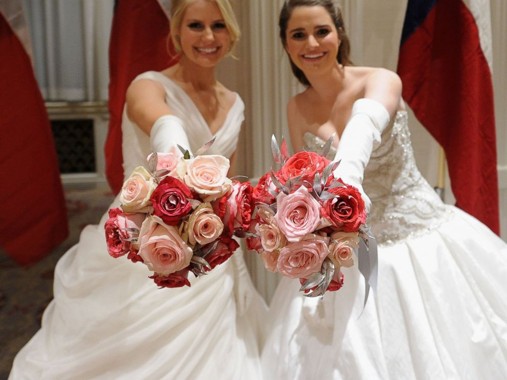 PHOTO: Debutantes attend the 60th International Debutante Ball at The Waldorf Astoria on Dec. 29, 2014 in New York City.