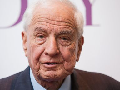 Garry Marshall, Elie Wiesel and Other Notable People Who Died in 2016