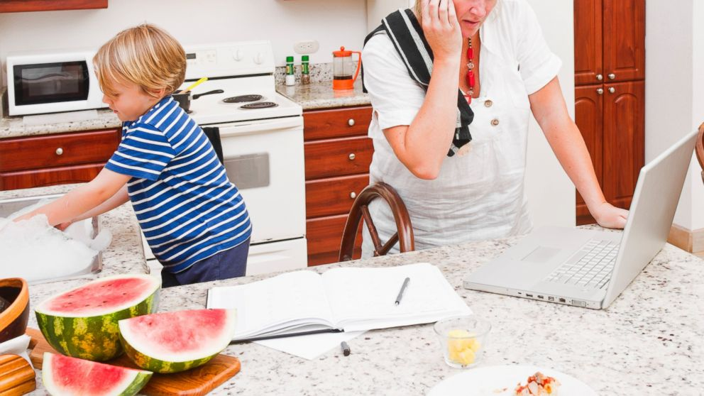 PHOTO: One mom blogger explains how she was once very overwhelmed.