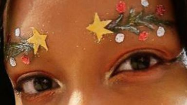 'PHOTO: Christmas hair and eyebrows are seen in photos posted to Instagram.' from the web at 'http://a.abcnews.com/images/Lifestyle/hair-brows-ht-er-171212_v4x3_16x9t_384.jpg'