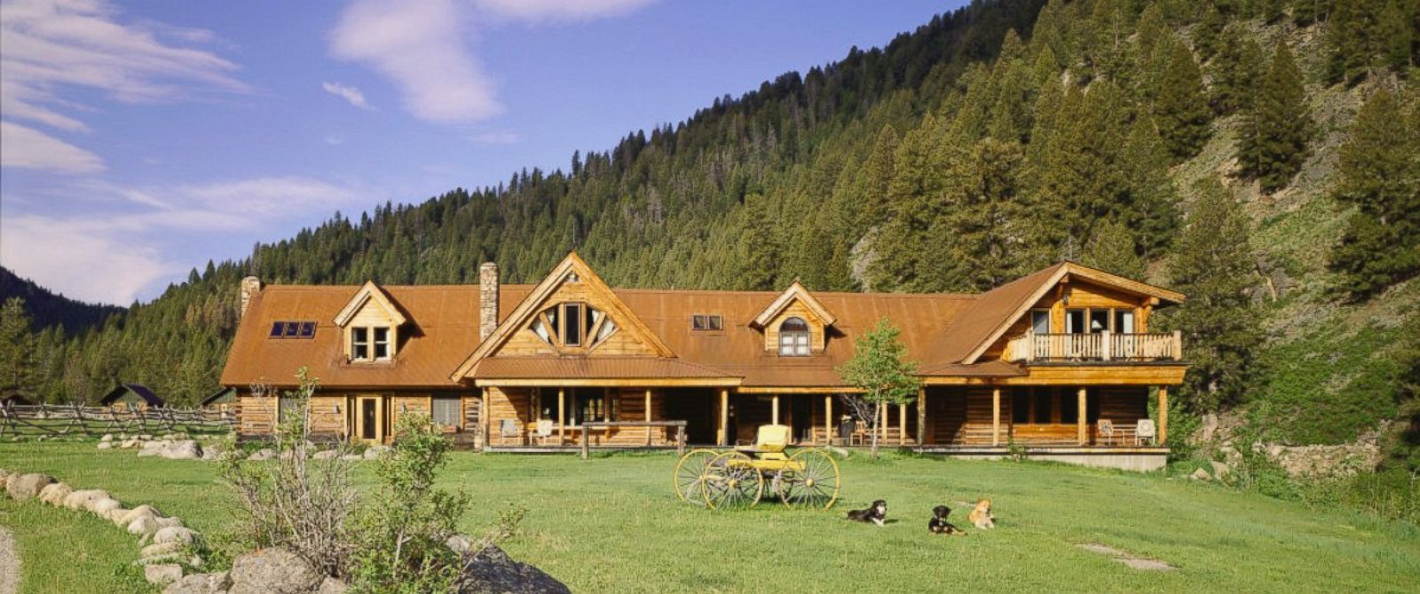 See inside carole king 39 s luxury idaho ranch abc news for Luxury ranch