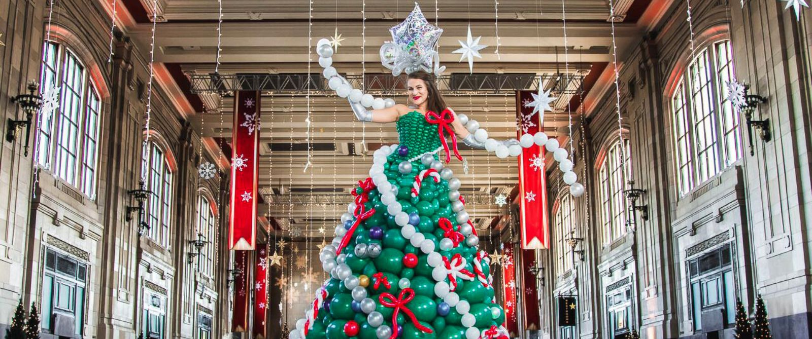 "PHOTO: ""Molly Balloons,"" of Kansas City, made an elaborate Christmas tree dress out of balloons."