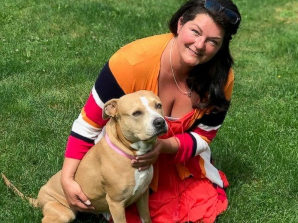 PHOTO: Paula Power and her family drove around 16 hours from Canada to California to adopt a 2-year-old pit bull they named Sophie.