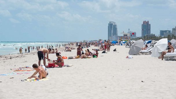 PHOTO: South Beach is one of the 8 most crowded U.S. beaches.