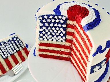 PHOTO: A flag cake by SugarWinzy.com for the Fourth of July.