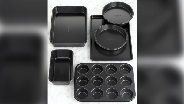 PHOTO: Simply Calphalon Nonstick 6-Piece Bakeware Set