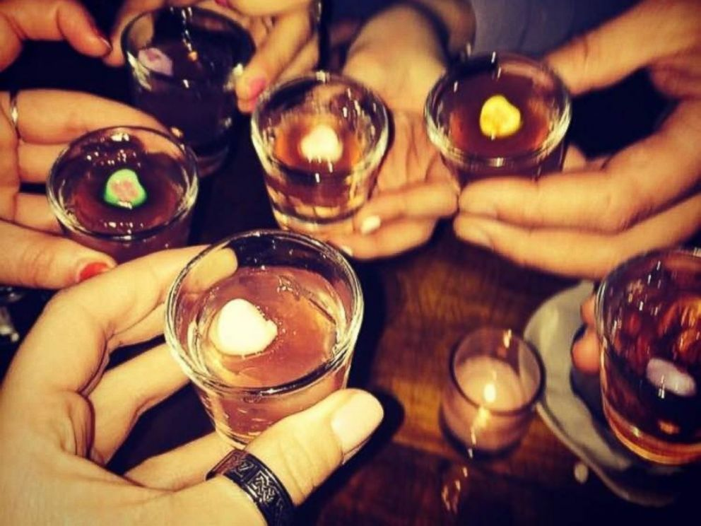 PHOTO: Restaurants offer drink specials for singles parties, such as these jello shots with candy hearts from The Meatball Shop in New York City.