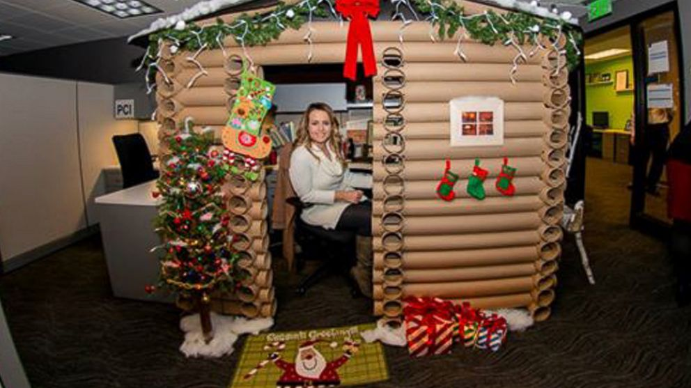 minneapolis woman transforms her cubicle into a christmas log cabin abc news - Log Cabin Christmas Decorations