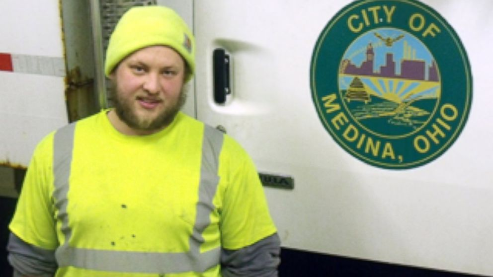 PHOTO: Josh Kerns, a Medina sanitation worker, found a $50 bill in a birthday card while on a route in Medina, Ohio. He returned the card to the owner.