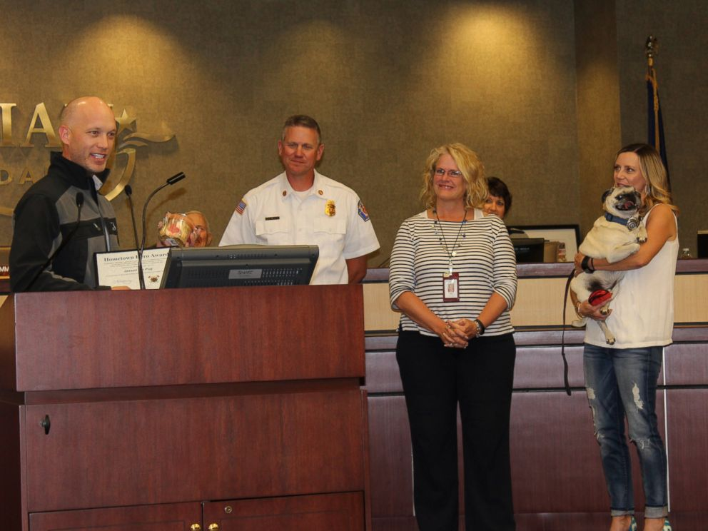 Dog given 'Hometown Hero Award' for saving family from fire