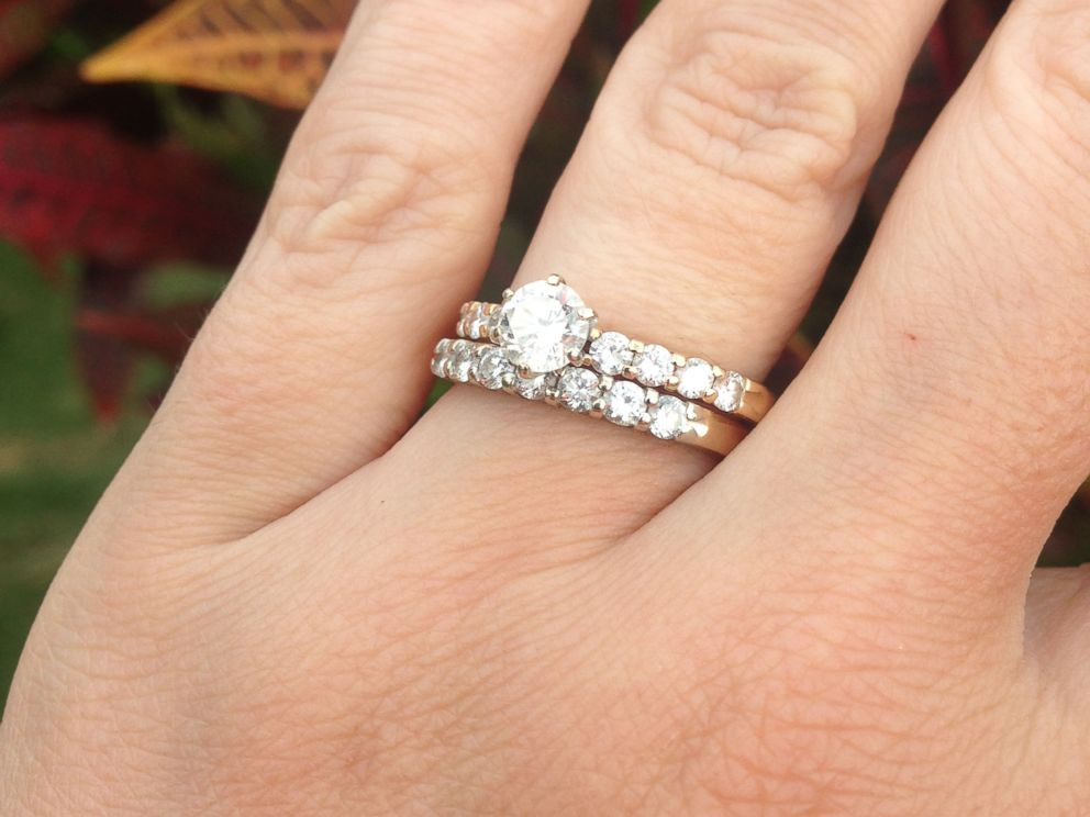 Craigslist Reunites Lucky Woman With Engagement Ring Lost off the Hawaiian Co