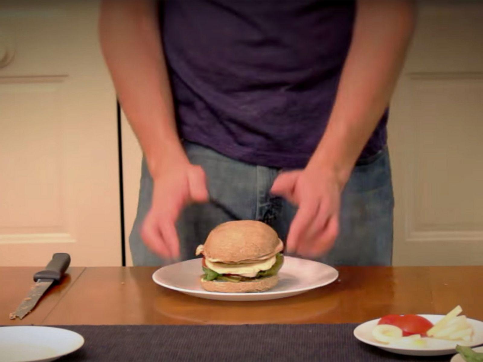 Посмотреть как сделать бутерброд