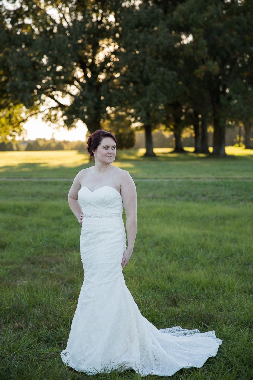 Woman Trashes Wedding Dress and Photographs the Whole Thing Photos ...
