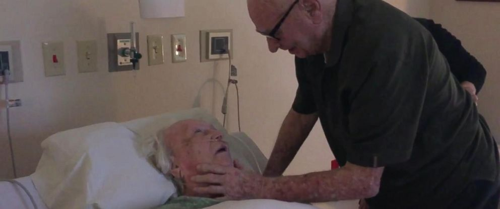 PHOTO: Howard Serena, 92, serenades his dying wife with a love song.