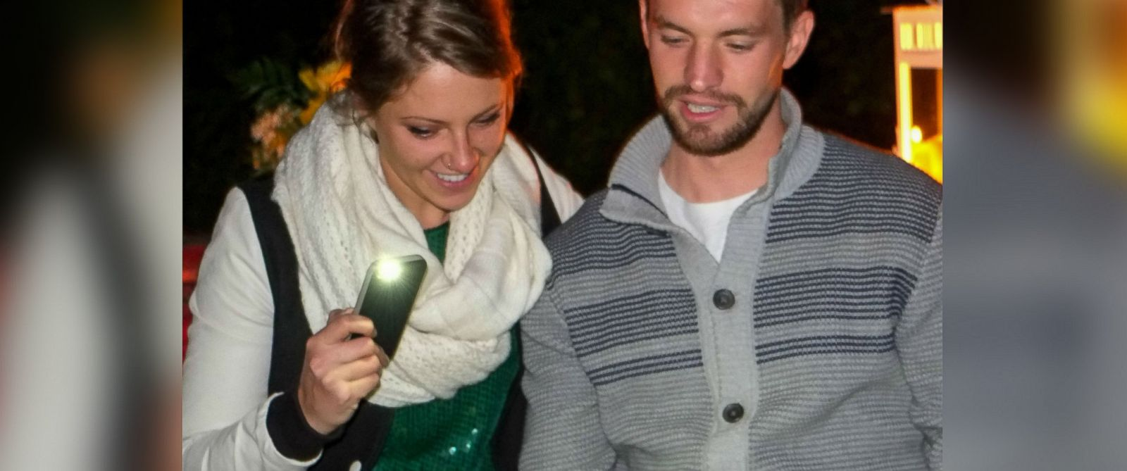PHOTO: Chad Akins proposed to his girlfriend Kaitlin with a custom illustrated book.